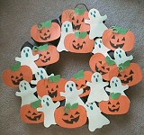 Ghosts and Jack-O'-Lanterns Wreath